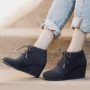 TOMS Black Suede Desert Wedge Boots/Booties